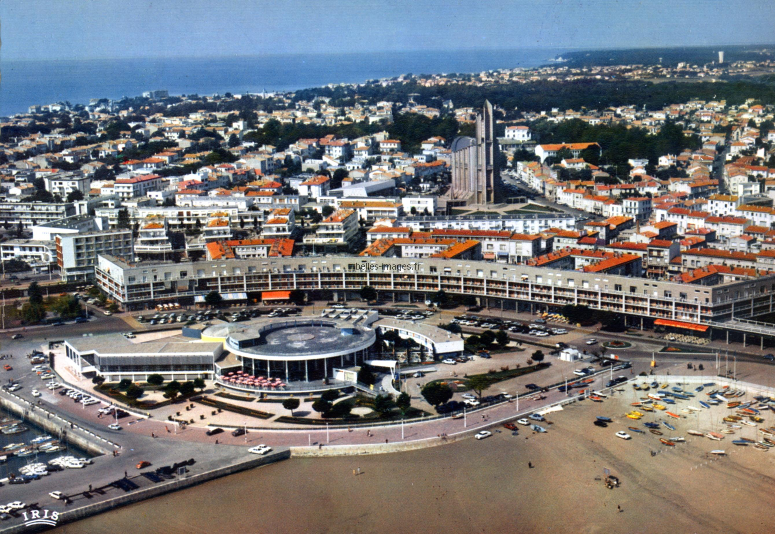 Photo du casino de Royan (architecture brésilienne)